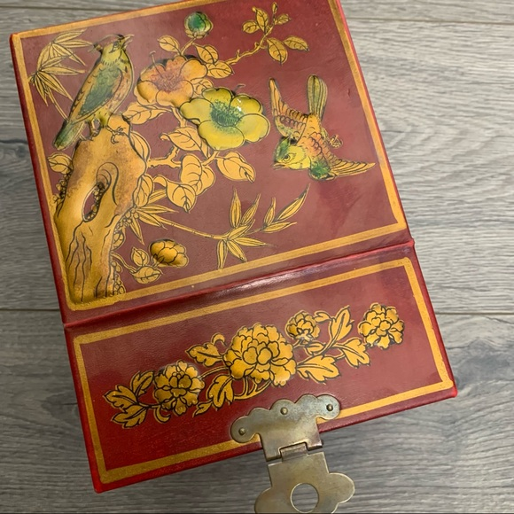 Vintage Antique Chinese jewelry box lacquer